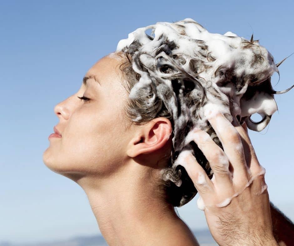 La cura dei capelli zero waste – Lo shampoo solido